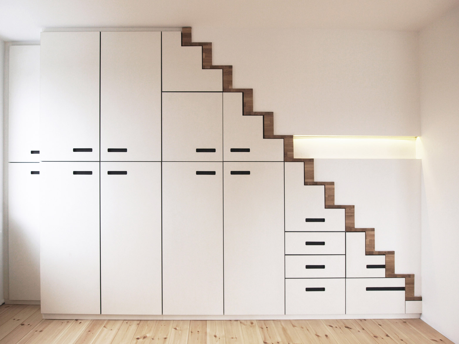 Treppenschrank-3